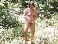 Frenchpus Shakin Ass And Pussy Outdoor 2