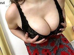 Mother With Big Boobs Gets Her Pussy Wet