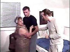 Granny Gefickt 2