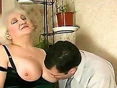 Mature Helps Her Man Jerk Off R20