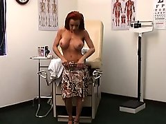 Doctor Uses A Machine To Cure His Patient 1
