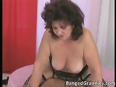 Slutty fat brunette woman gets moist shaved pussy hamme