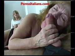 Group sex with mature sluts Sesso di gruppo con mature troie