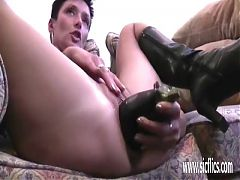 Mature Amateur Double Fisted In Her Loose Pussy