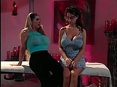 Sexy Chicks Uses Toys In Pussy