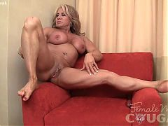 Mature Muscle MILF Masturbating