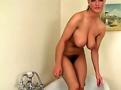 Big titty hairy vanessa in bathroom