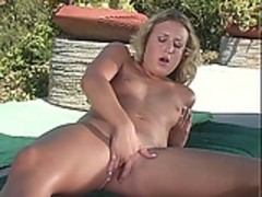 Mature mature blonde masturbates outsite