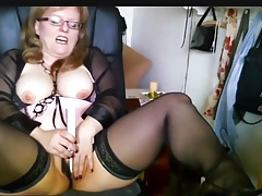 Chubby Mature German gets off hard on cam
