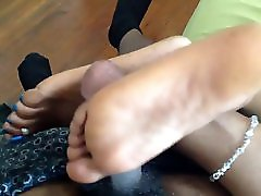 Crossed soles footjob ebony solejob