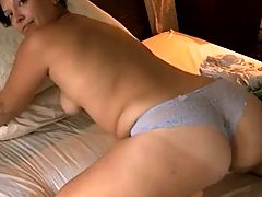 Chubby cougar intense loug screaming orgasm