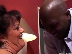 Mature dirty milf gets pounded