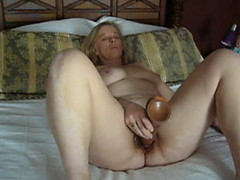 Mature karen masturbating