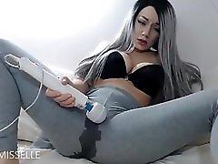 Sexy Milf Squirt In Leggings