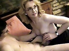Sexy MILF Sucking And Fucking Youg Guy As Hubby Films C3p0