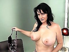 Vegas Milf Gives Vip Service