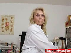 Blond haired curvicious dame fuck hole details