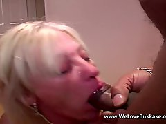 Older Mature Wife Does Bukkake