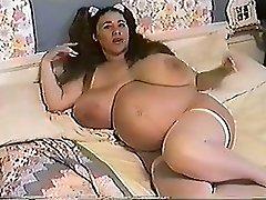 Honey Moons 9 Months Pregnant & Bustin 2