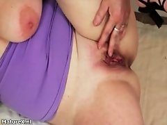 Sexy Mature Brunette With Shaved Box Is Craving For Coc