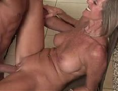 Cum in moms big hole